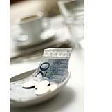 Indulgence & Consumption, Paying, Tip