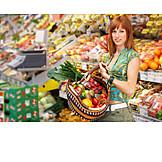 Junge Frau, Gesunde Ernährung, Einkauf & Shopping
