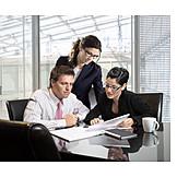 Business, Büro & Office, Teamarbeit, Besprechung & Unterhaltung