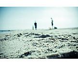 Defocused, Sand