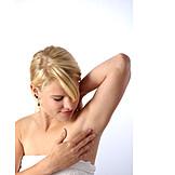 Armpits, Hair removel