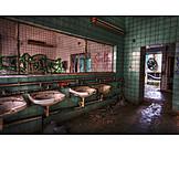 Old ruin, Ailing, Washroom