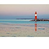 Lighthouse, Warnemünde, Waterbreak