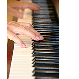 Playing music, Piano, Play piano