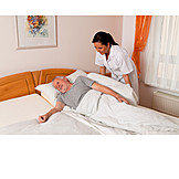 Senior, Pflege & Fürsorge, Altenpflegerin