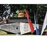 Memorial, Monumento al tren blindado