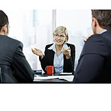 Büro & Office, Besprechung & Unterhaltung, Beratung, Geschäftsleute