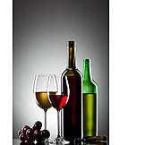 Genuss & Konsum, Wein, Weinglas, Weinflasche