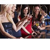 Nachtleben, Alkohol, Feiern, Freundinnen