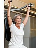 Rentnerin, Seniorin, Krafttraining, Krankengymnastik, Physiotherapie