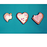 Gingerbread heart, Cookie, Missing bite