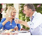 Paar, Essen & Trinken, Anstoßen, Prost