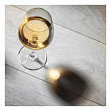 White wine, Wine glass