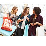 Einkauf & Shopping, Einkaufsbummel, Freundinnen