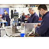 Ausbildung, Werkstatt, Metallindustrie