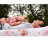 Vater, Sorglos & Entspannt, Tochter, Mittagsschlaf