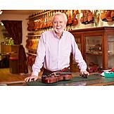 Violin, Violin maker, Instrument maker