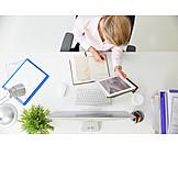 Geschäftsfrau, Büro & Office, Schreibtisch