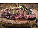 Steak, Rumpsteak, Rindersteak, Fleischgericht, Tranchierbesteck