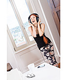 Young Woman, Music, Leisure & Entertainment, Listening To Music