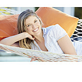 Frau, Lächeln, Pause & Auszeit, Entspannt