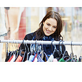 Junge Frau, Einkauf & Shopping, Einkaufen, Shoppen