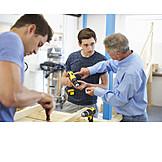 Ausbildung, Handwerker, Auszubildender, Tischlerei