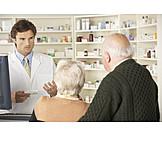 Medikament, Senioren, Pharmazie, Apotheke, Kunden, Kundenberatung, Apotheker