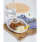 Grillspieß, Fleischgericht, Gyros, Traditionelle Küche