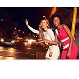 Stadtleben, Taxi, Freundinnen, Heimweg