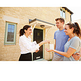 Eigenheim, Hauskauf, Wohnungsübergabe, Immobilienmaklerin