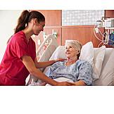 Pflege & Fürsorge, Krankenschwester, Patientin