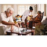 Altenpflegerin, Altenheim, Altenpflege