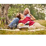 Picknick, Seniorenpaar