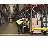Logistik, Lagerhalle, Scannen, Mitarbeiter, Warenbestand, Lagerist