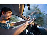 Junger Mann, Gefahr & Risiko, Autofahrer