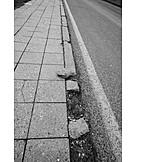 Gefahr & Risiko, Straßenschäden, Straßenmarkierung