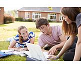 Schüler, Nachhilfe, Gruppenarbeit
