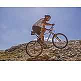 Aktiver Senior, Mountainbiker, Aktivurlaub