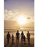 Zusammenhalt, Zukunft, Familie, Versicherung, Generationen