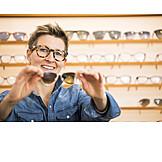 Beratung, Brillengeschäft, Optikerin