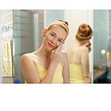 Beauty Culture, Facial Cosmetics, Moisturizer