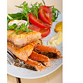 Medium, Fish Dish, Salmon Fillet