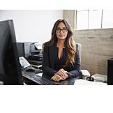 Geschäftsfrau, Schreibtisch