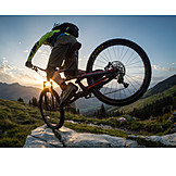 Wheelie, Mountain biker