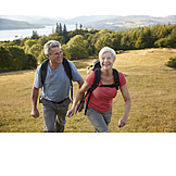 Aktiver Senior, Bergwanderung, Seniorenpaar