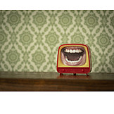 Retro, Television, Dentition