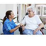 Altenpflegerin, Altenpflege, Betreutes Wohnen