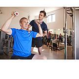 Aktiver Senior, Fitnessstudio, Muskelaufbau