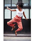 Lebensfreude, Luftsprung, Afroamerikanerin